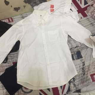 UNIQLO WHITE OXFORD