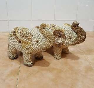Vintage handmade shell elephant pair