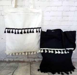 #372 INSTOCK tumblr basic black and white tassel tote bag