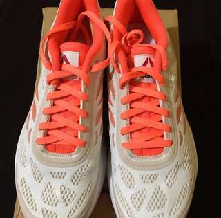 Authentic Reebok Running shoes