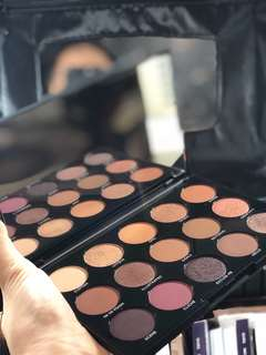 Morphe night pallette limited edition