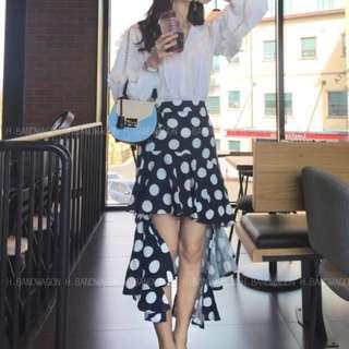 【H.BANDWAGON】韓國可愛撞色點點前短後長不規則設計荷葉魚尾下擺包臀長裙