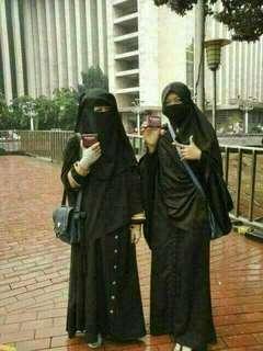 Muslimin lebih suka pakai nu amoorea karn klau dipkai whudu g luntur