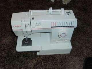 Singer 9020DV sewing machine