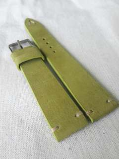 100% Handmade Genuine Calf Oiled   Leather Watch Strap Colour : Green Olive Lug/Buckle Widths : 19/16, 20/16m Length/Buckle Side : 110/75 mm Loops/Widths : 6 mm Thickness approx : 2.5 mm Buckle : Steel