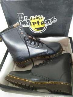 TURUN HARGA! Dr. Marten 8 holes boots premium