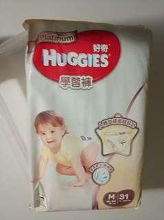 Huggies plantium 鉑金裝學習褲 M