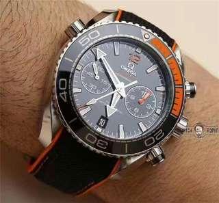爆款高仿歐米茄OMEGA多功能手表 超A 1:1歐米茄海馬系列215.32.46.51.01.001腕表,45.5毫米,黑面黑圈,單向旋轉表圈,自動機械男表。    品牌:歐米茄 系列:海馬 機芯類型:自動機械9900 表徑:45.5毫米 錶殼材質:精鋼,單向旋轉表圈 表鏡材質:圓弧形雙面防反光耐磨損藍寶石水晶 錶帶顏色:黑色