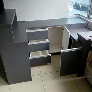 Cabinet counter bar