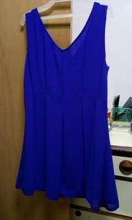 俏皮藍色小洋裝