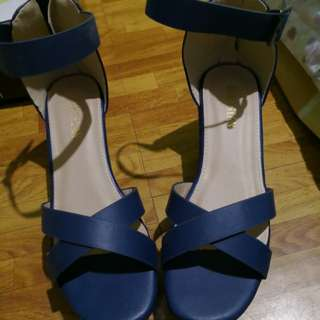 Parisian wedge blue size 8