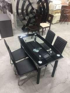 強化玻璃餐桌 皮餐椅