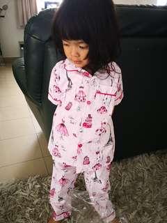 Pyjamas/baju tidur