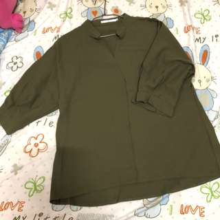 綠色雪紡上衣