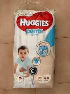 Huggies Platinum Medium Pants for Boys