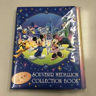 Tokyo Disney souvenir medallion collection book 東京迪士尼25週年紀念品