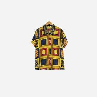 刺繡領幾何黑襯衫 no.585