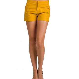 Highwaist mustard shorts