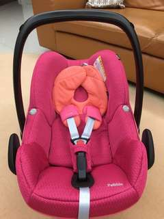 Maxi Cosi Pebble Infant Carseat