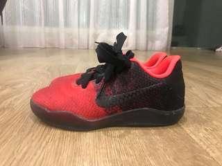Nike 紅黑漸層男童運動鞋