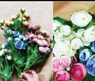 Artificial flowers (small bouquet)