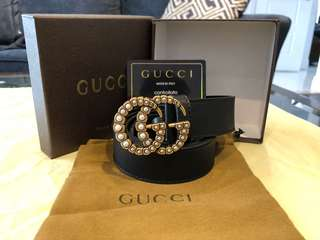 Gucci belt With pearls in the buckle