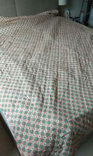 Bedsheet queen quilt preloved