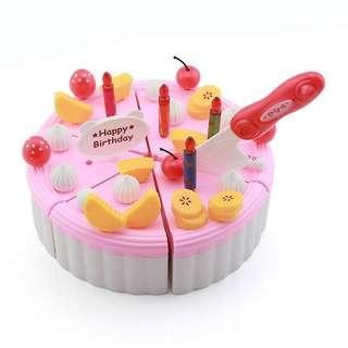 BNIB Pretend play birthday cake cutting set