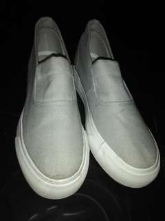 gray shoes - wedgy type
