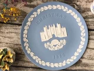 英國製Wedgwood Jasper水藍碧玉浮雕1976年度聖誕紀念盤飾