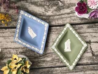 英國Wedgwood Jasper 碧玉浮雕菱形瓷盤