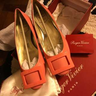 100%real & New) Roger Vivier Flat Ferragamo baby pink
