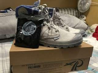 Palladium 鞋