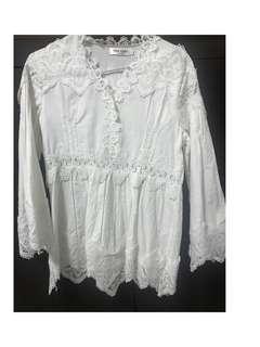 🚚 白色蕾絲上衣