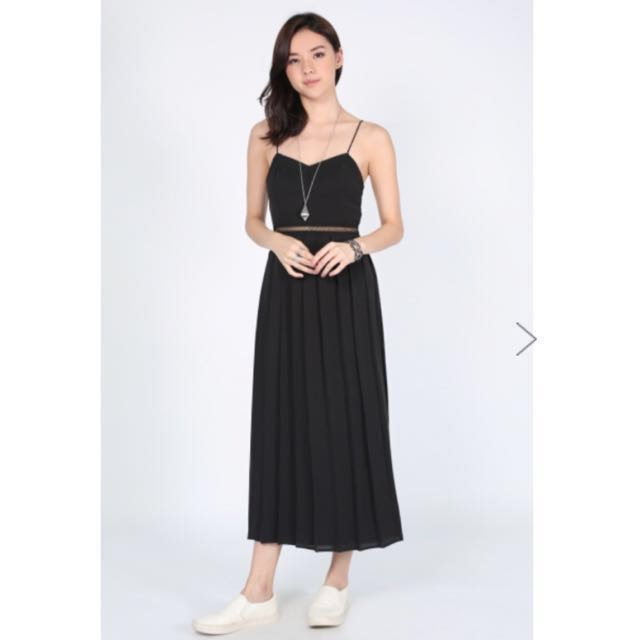 a2667fcc04 BNWT Love Bonito Delrisha Pleated Midi Dress Black XS