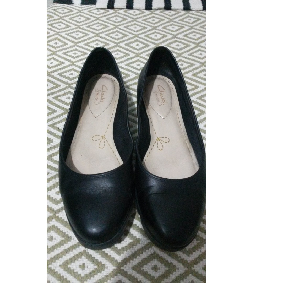6aa5f357a187 Clarks Black Leather UK5   7US