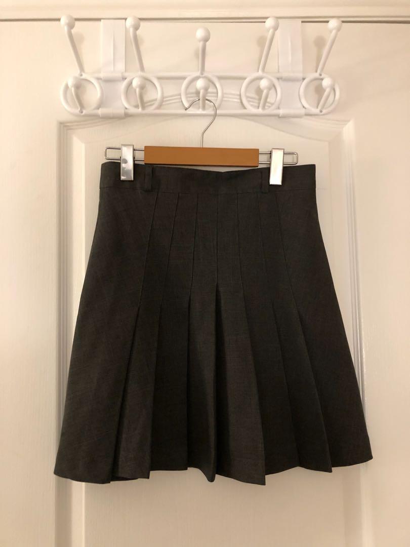 Dark grey pleated skirt