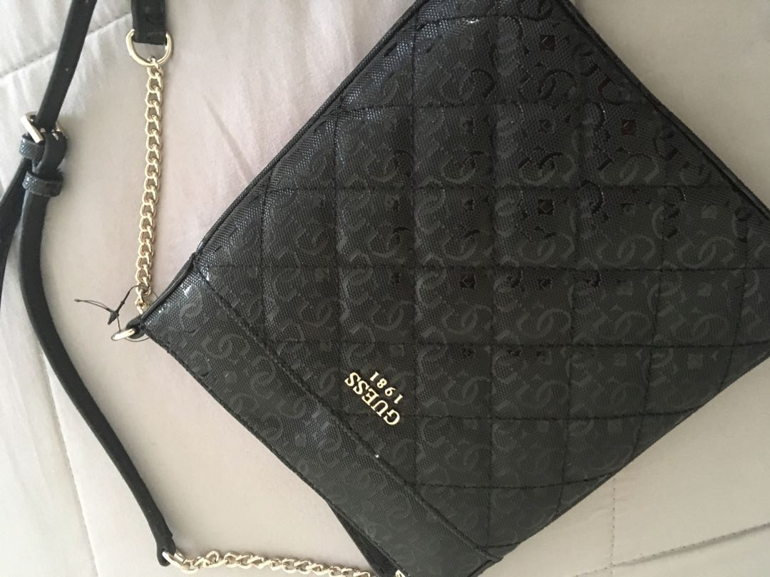 GUESS BAG brand new brought from farmers with the wallet to match an only needed wallet