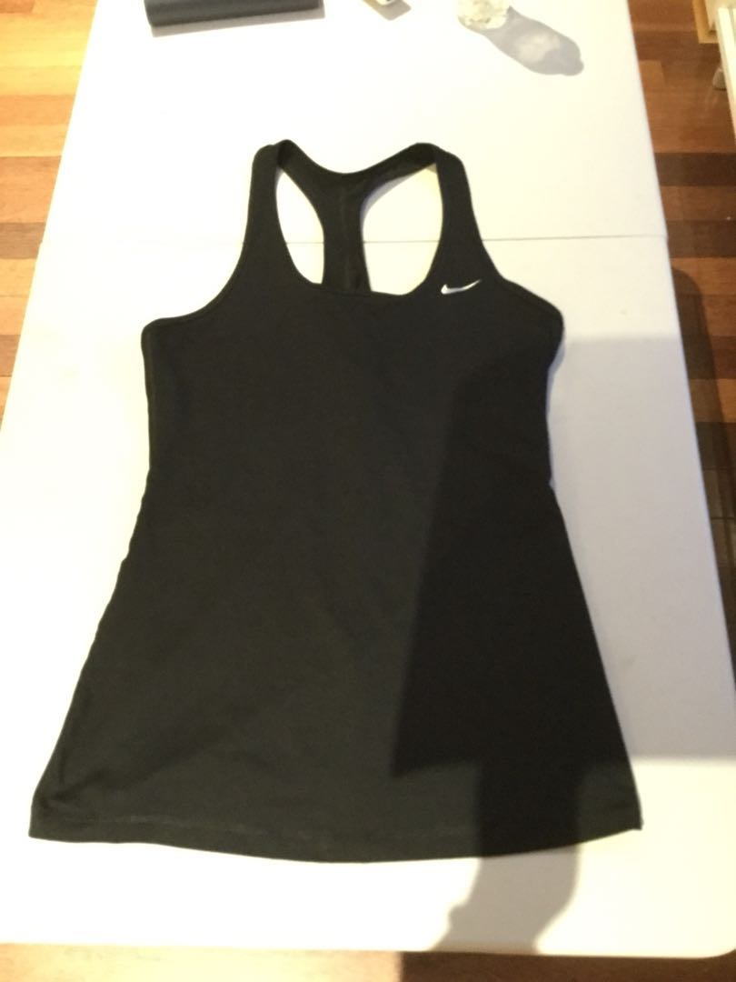 Including post- Nike dry fit top M