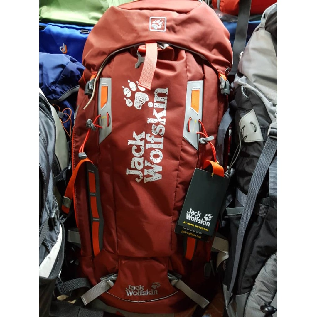 2a0c856e6f3 Jack Wolfskin Mountaineer 36, Sports, Other on Carousell