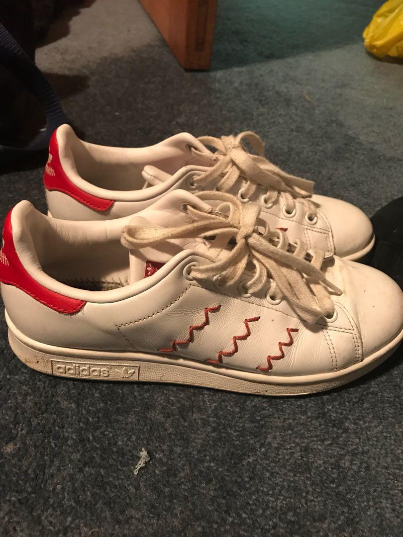 Near new adidas Stan Smith