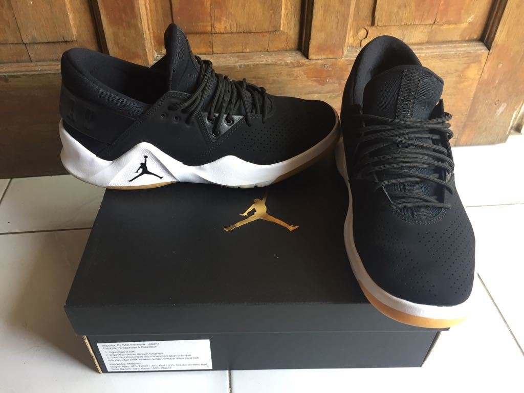 708655a24427 Nike Jordan Flight Fresh Black White Gum Yellow