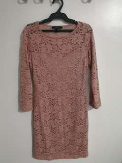FOREVER 21 (F21) PINK LACE DRESS