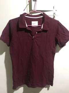 暗紅polo衫