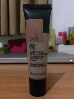 The Body Shop - Matte Clay Foundation