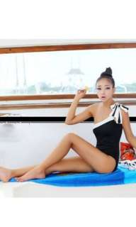 One shoulder bow knot swimsuit