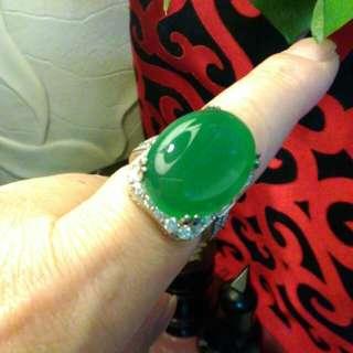 最後一支。大蛋面剔透綠精靈925鑲鋯石戒。歡迎開價嘍!