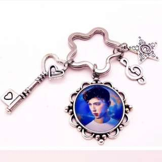 Customise Photo Petal Keychain With Charms