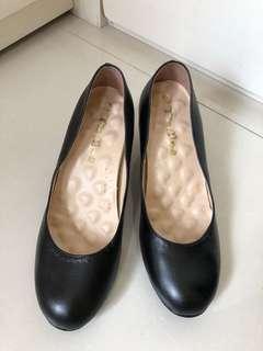 上班族黑色皮鞋 歐碼38.5