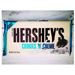Hershey's Cookies N' Cream Giant Bar 184 g